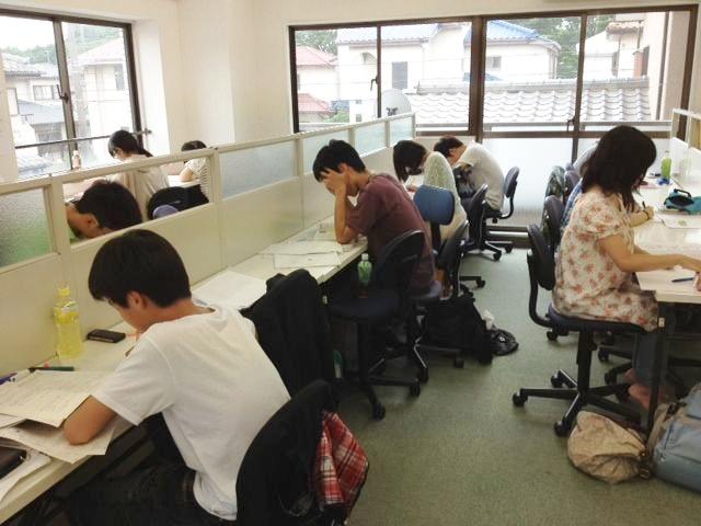 泉区弥生台 個別指導型学習塾「セレッソ」